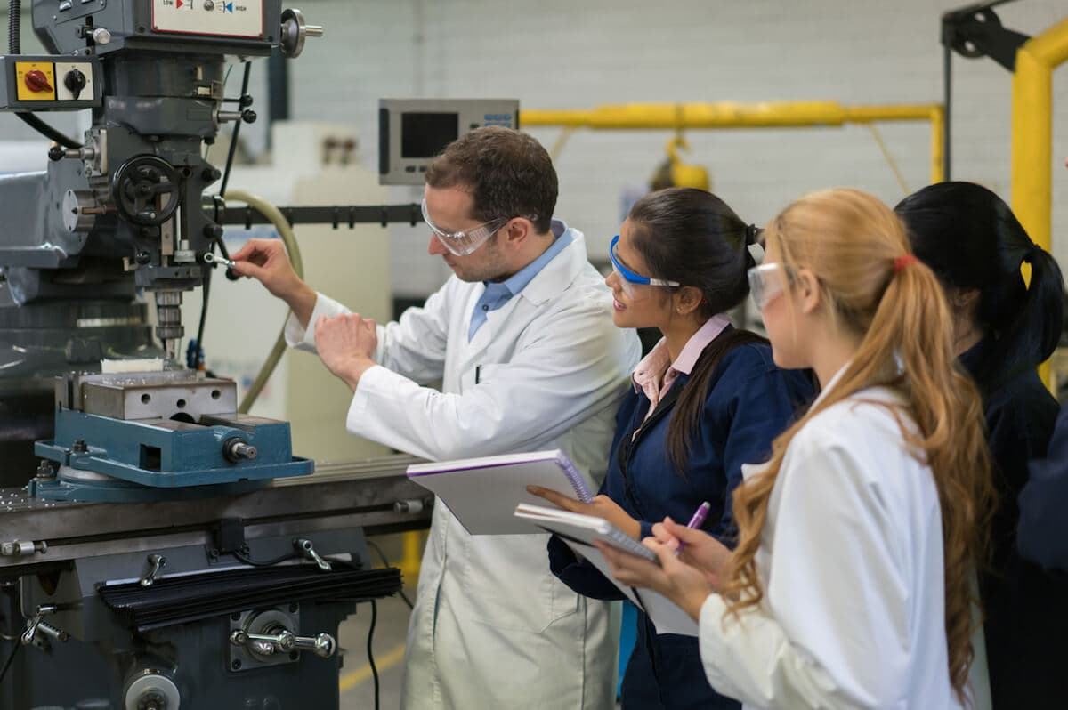 How to Become a Mechatronics Engineer: 3 Steps for Success