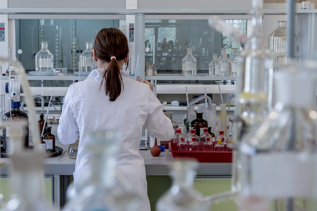 What Does A Biotechnologist Do?