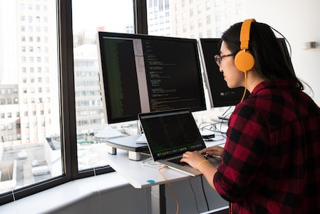 Computer Science vs. Software Engineering: What's the Difference? photo