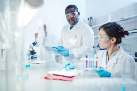How to Become a Pharmaceutical Scientist photo