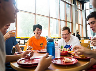 So long, trays. Campus eateries get more sustainable