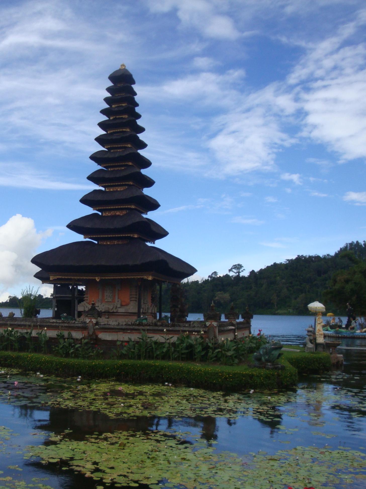 Pura Ulun Danu Bratan, a famous Hindu temple on Lake Bratan near Bedugul, Bali.