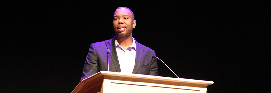 Ta-Nehisi Coates speaks in the 2015 Scholars Seminar.